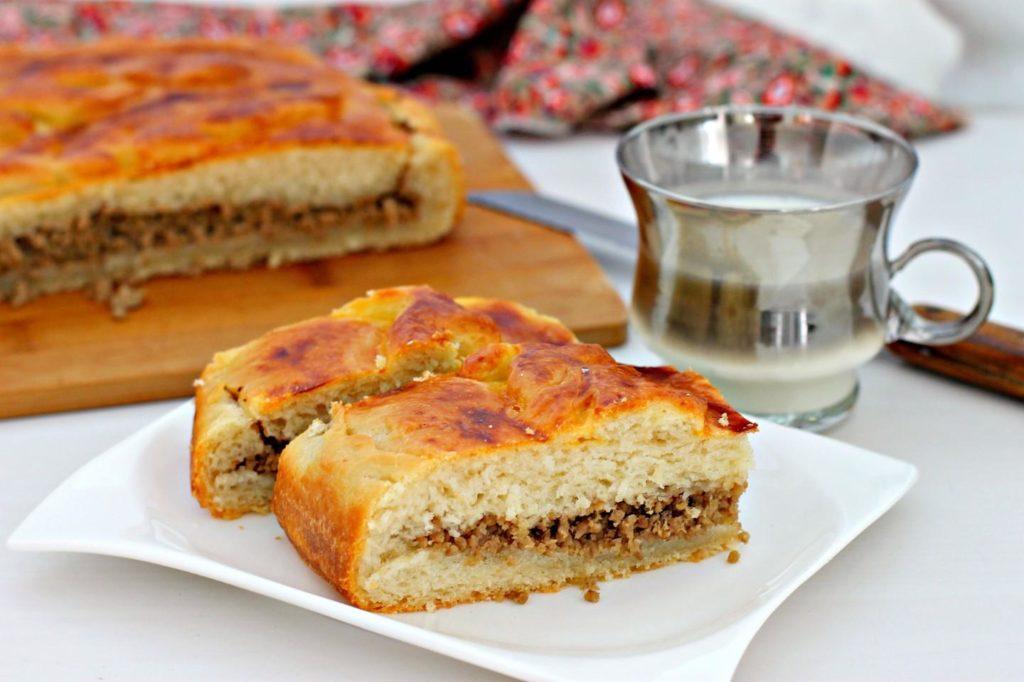 пирог с мясом на кефире с обжаренной начинкой