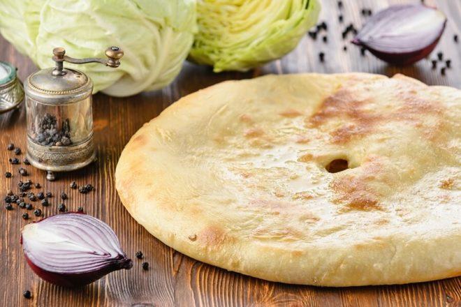 Ароматный осетинский пирог с капустой