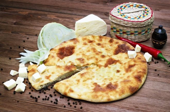 Вкусный осетинский пирог с капустой
