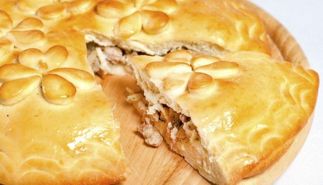 Быстрый пирог со свежей капустой в духовке