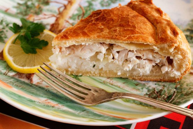 Вкусные пироги с рыбой и рисом