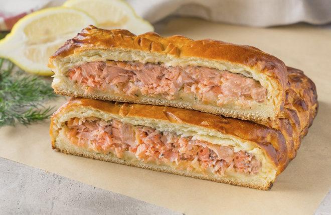 Пошаговый рецепт пирога с рыбой из слоеного теста