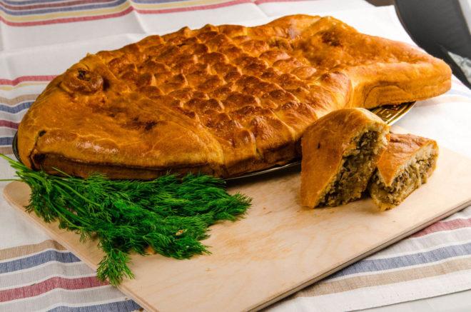 Пирог в форме золотой рыбки