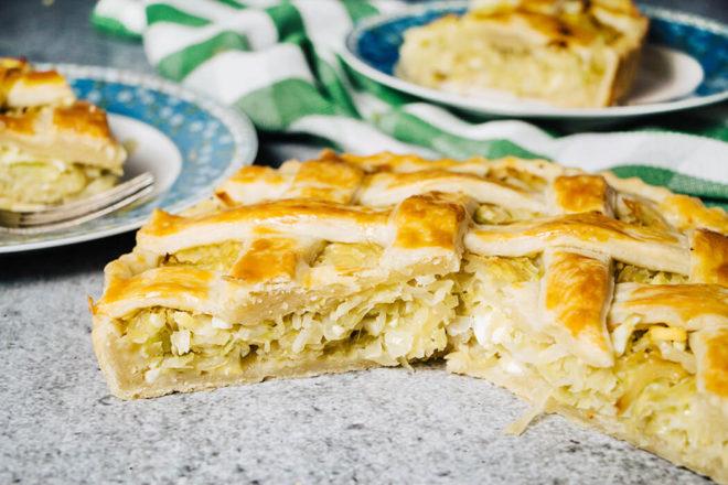 Быстрый рецепт постного пирога с капустой