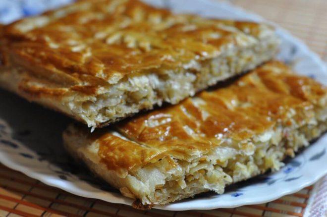 Вкусный рецепт слоеных пирогов с капустой