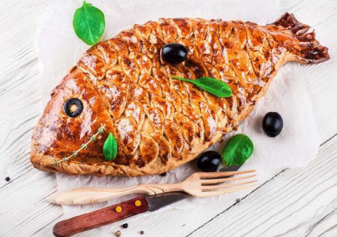 Рис и рыбные консервы в начинку пирога