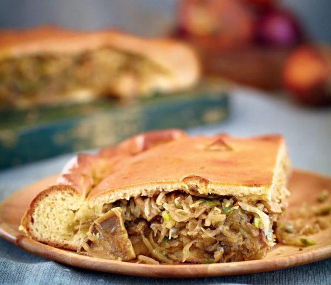 Рецепт пирога с квашеной капустой из постного теста