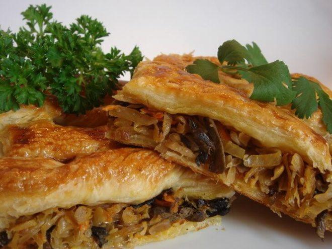 Пирог с картофелем и кислой капустой