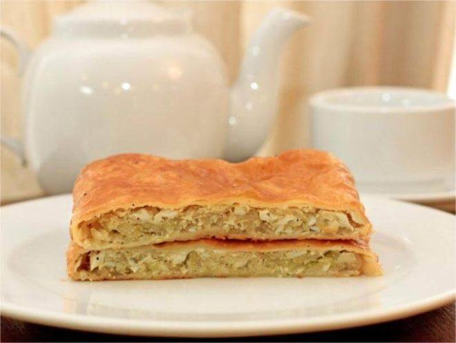 Быстрый рецепт слоеных пирогов с капустой