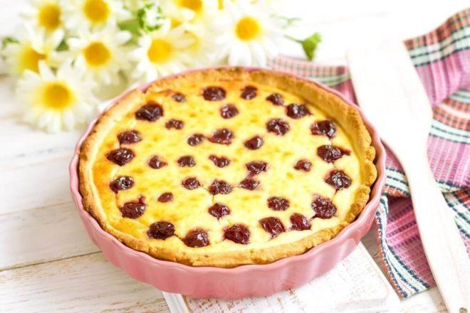 Вариант №6. Постный пирог с вишней в мультиварке